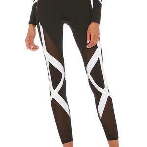 NWOT Alo yoga Bandage Leggings - S